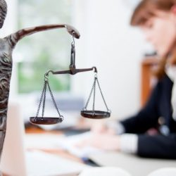 Procédure judiciaire au salon d'esthétique